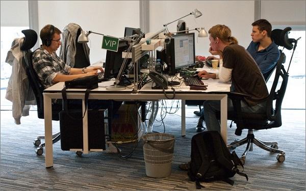Если на рынке нет готового программного продукта, который покрывают нужды клиента, нужно заказывать разработку уникального софта